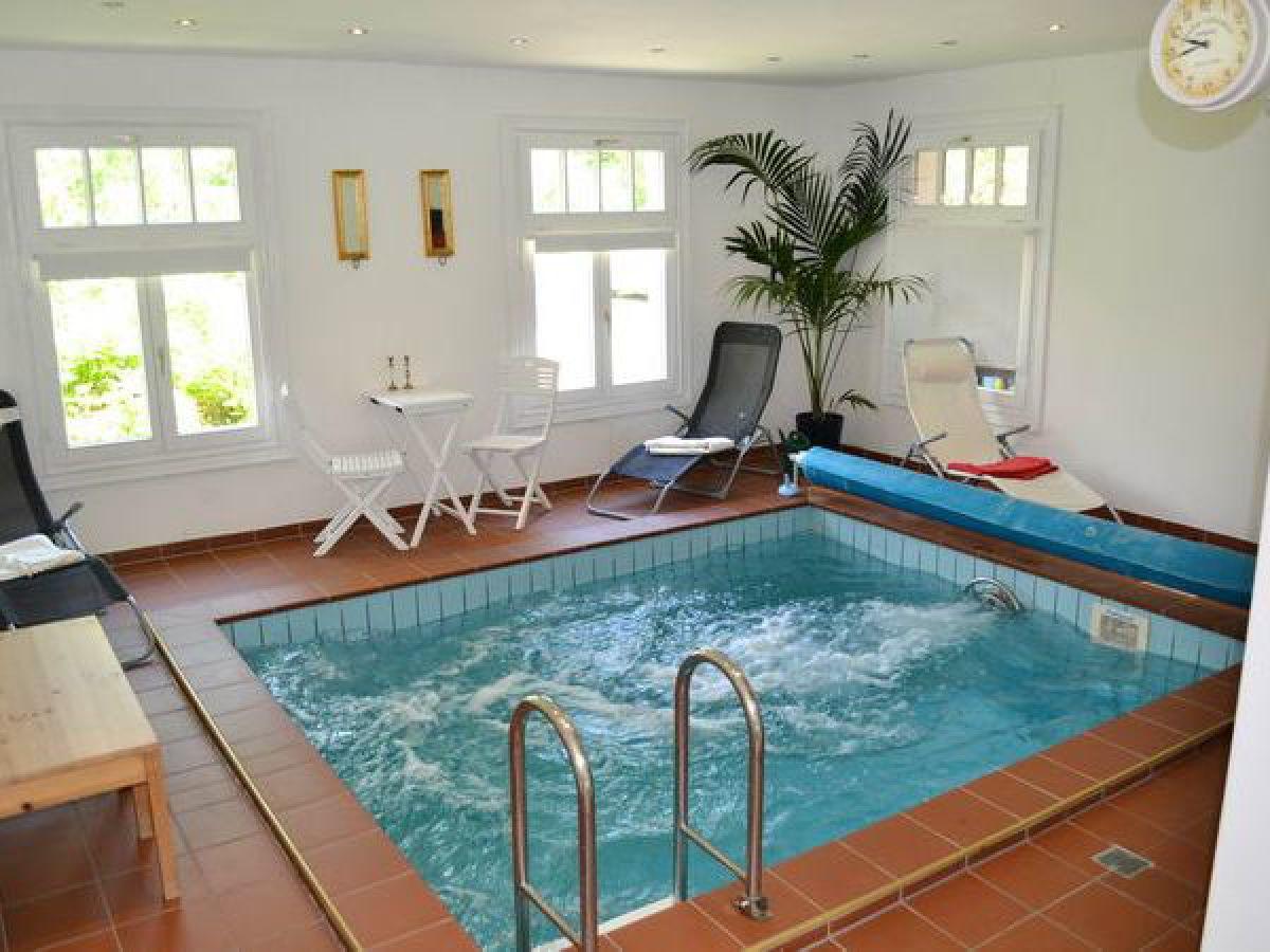 Ferienhaus haus liarna sm land firma schwedenhaus for Schwimmbad gegenstromanlage