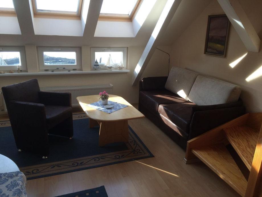 Sofa und Sessel im Wohnbereich