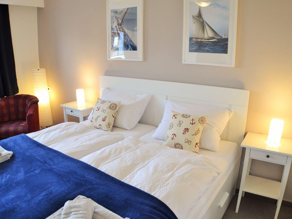 ferienwohnung seeblick luv und lee kieler bucht. Black Bedroom Furniture Sets. Home Design Ideas