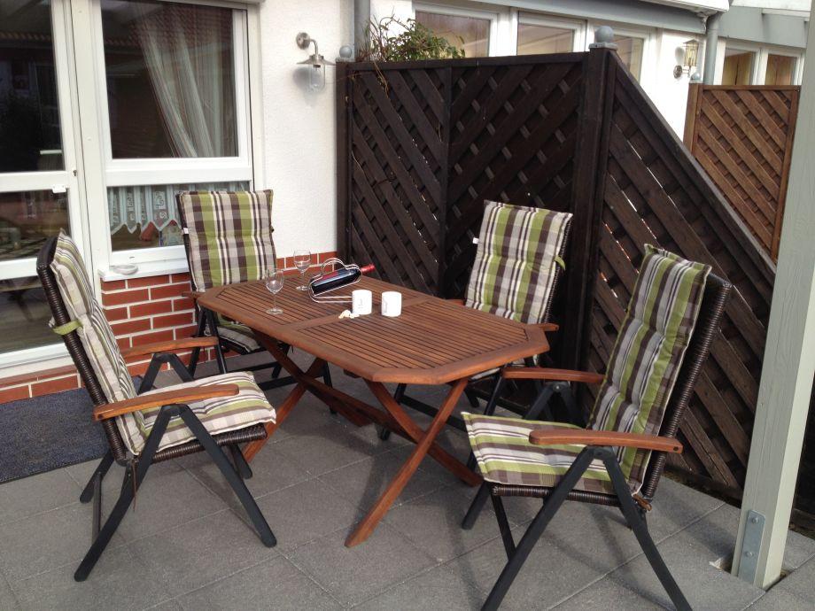 Überdachte Terrasse mit hochwertiger Ausstattung