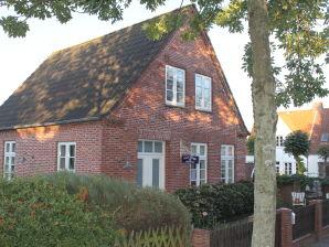 Ferienhaus Haus Maeggi