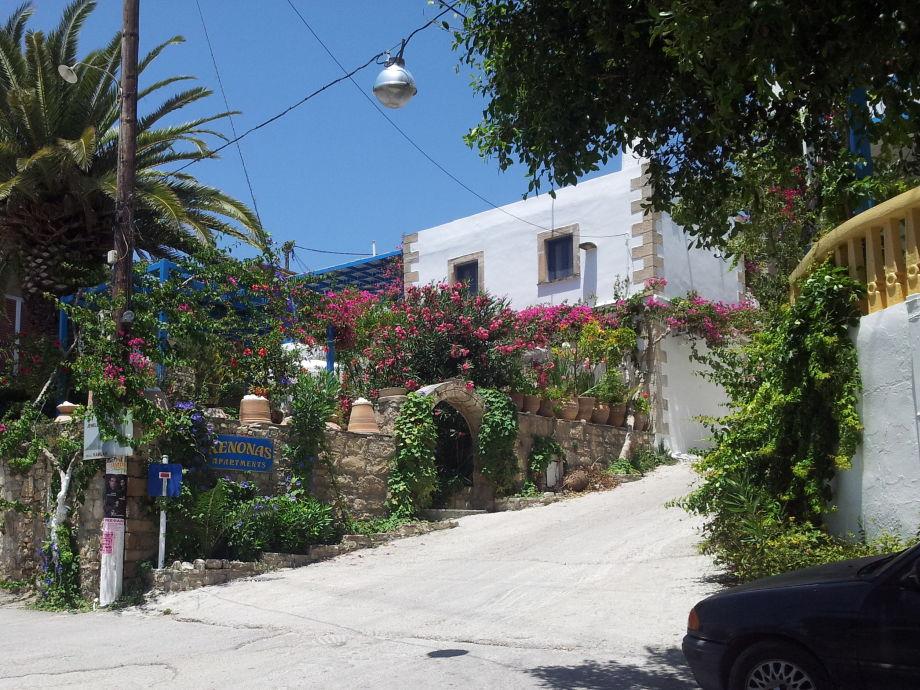 Außenaufnahme Xenonas an der Südküste Kretas