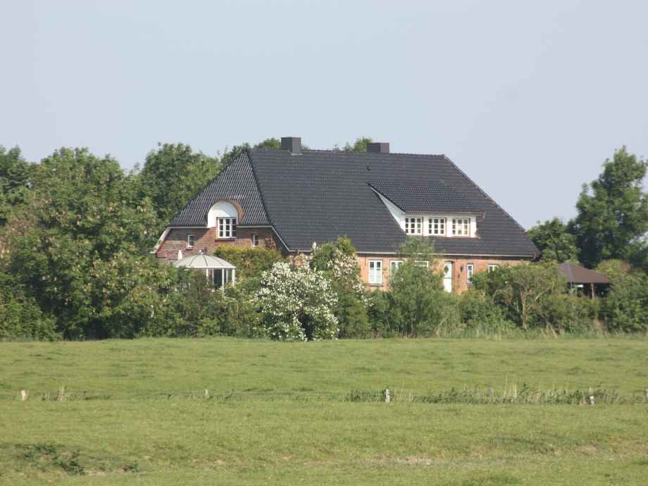 Ansicht von der Ostseite mit Eingang Ferienwohnung