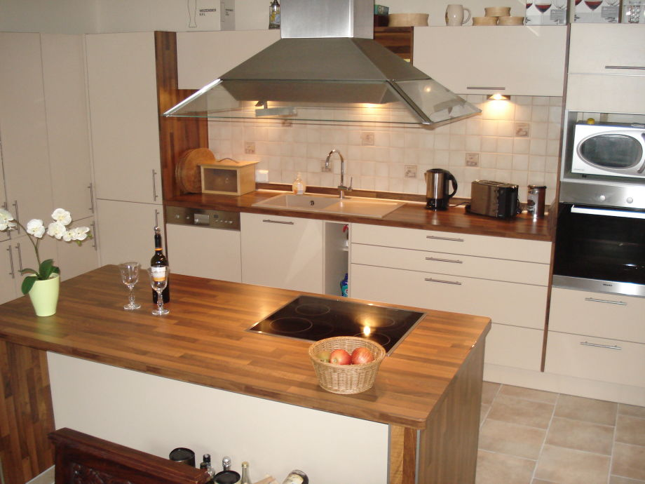 B3: Dream kitchen with cooking island