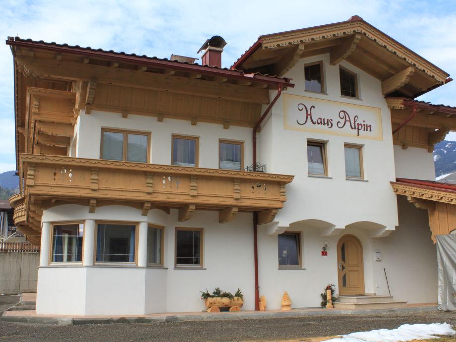 Haus Alpin im Winter