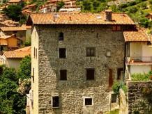 Holiday apartment Burg Zorzino