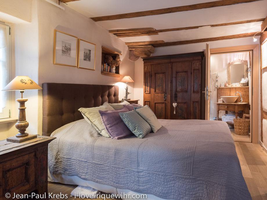 Schlafzimmer Doppelbett 160x200. Badezimmer en suite