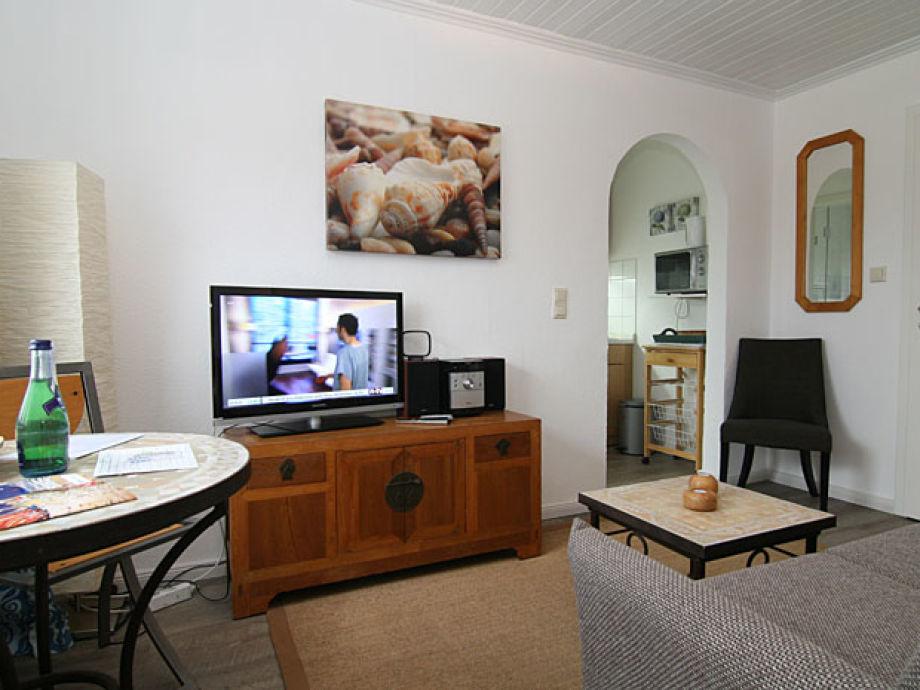 Wohnbereich mit Blick auf die Küchenzeile