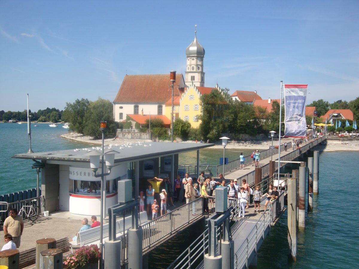 Holiday apartment fischer in wasserburg wasserburg lake for Apartment bodensee