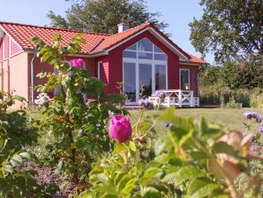 "Ferienhaus Haus ""Blütenmeer"" am Ostseefjord"
