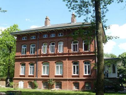 "Herrenhaus ""Haus im Park"""