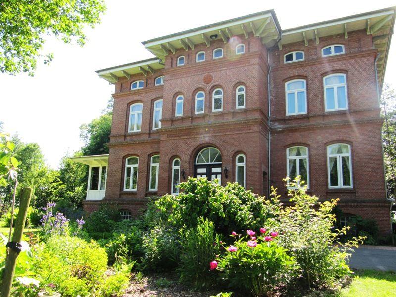 """Ferienwohnung Herrenhaus """"Haus im Park"""""""