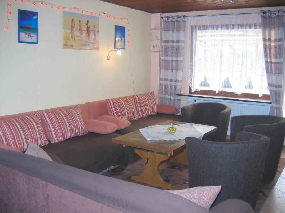 Wohnzimmer mit 2 Doppelschlafcouchen