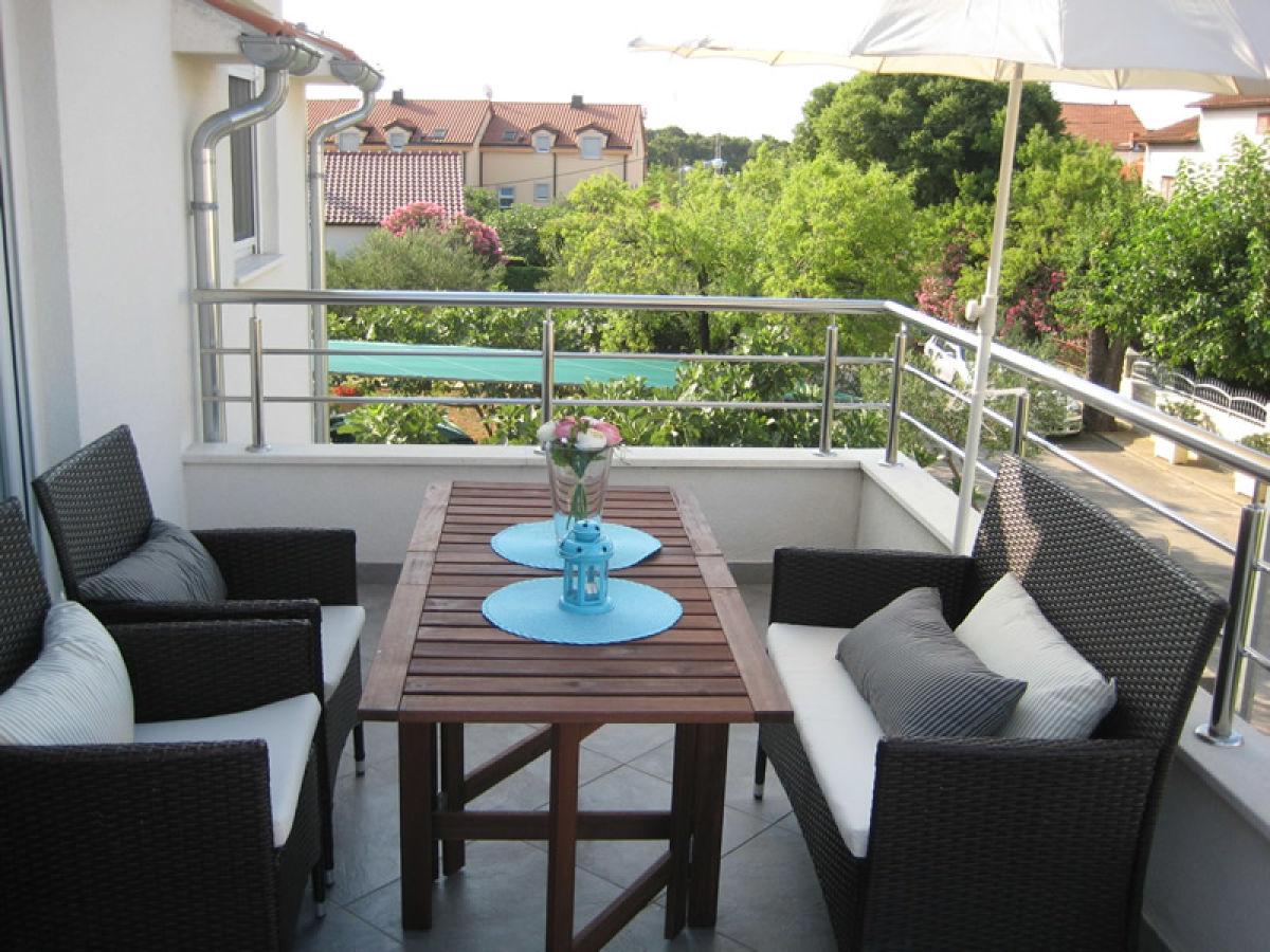 ferienwohnung tina dalmatien vodice apartment tina. Black Bedroom Furniture Sets. Home Design Ideas
