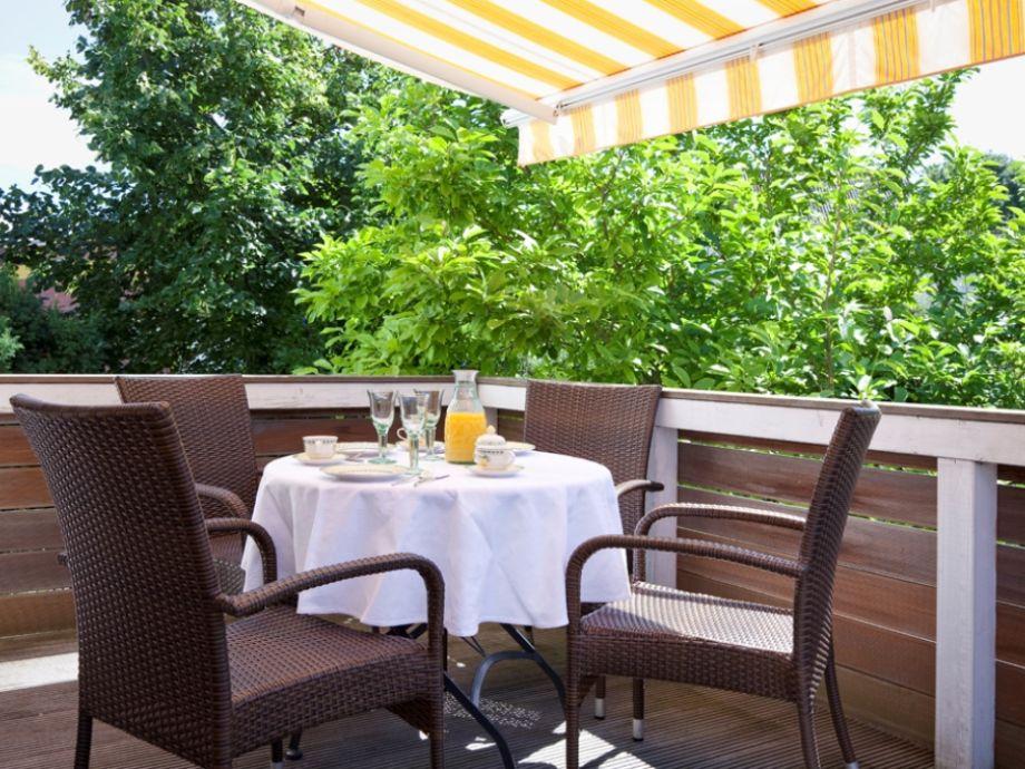 Das Fühstück oder die blaue Stunde auf dem Balkon