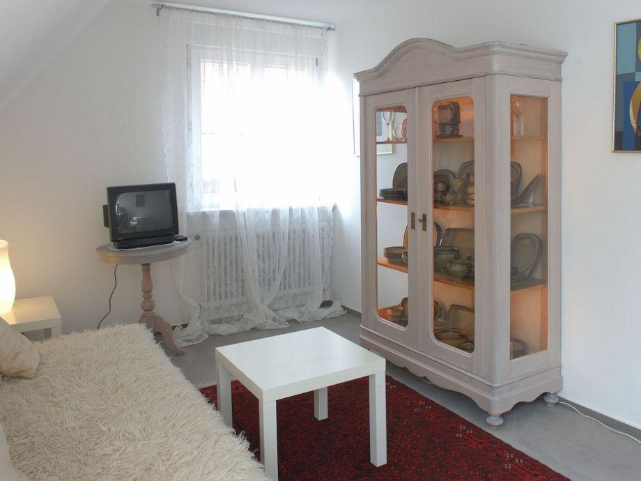 Das gemütliche, kleine Wohnzimmer der Ferienwohnung
