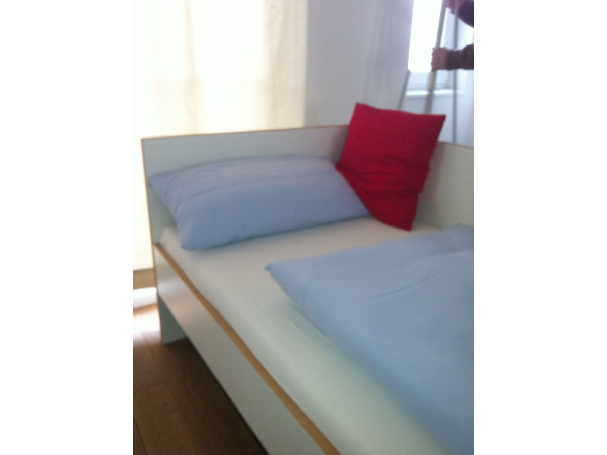 apartment elbschoner 4 5 zimmer inkl w lan altona altstadt frau meyer. Black Bedroom Furniture Sets. Home Design Ideas
