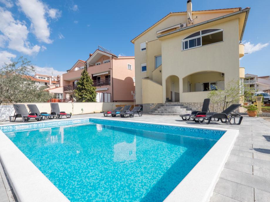 Villa Colonia mit Pool,  Meerseite