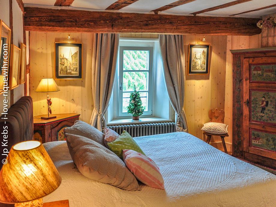 Schlafzimmer mit 160x200 Cm Queensizebett