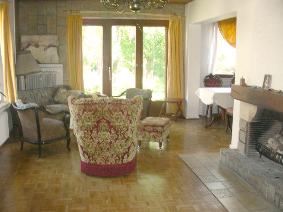 Das Wohnzimmer Mit Offenem Kamin