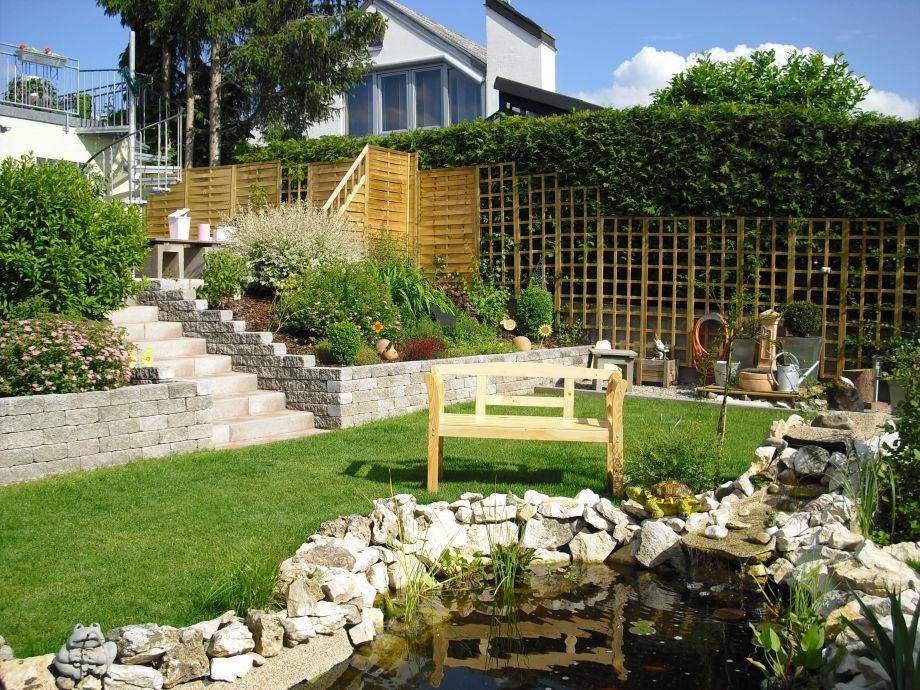Garten mit Grill-/Sitzbereich