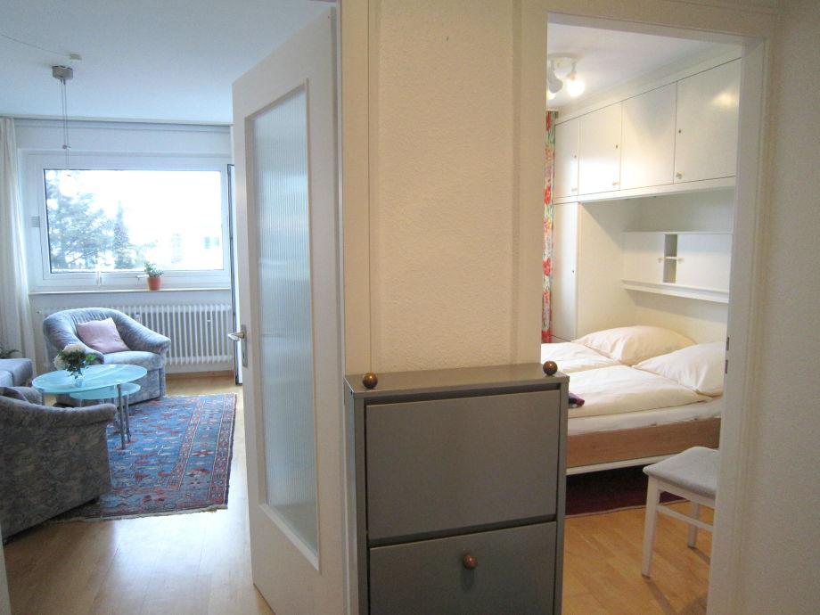 Blick ins Schlaf- und Wohnzimmer