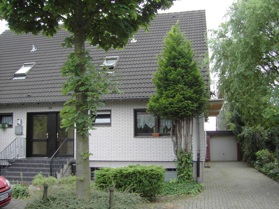Haus mit PKW Stellplatz