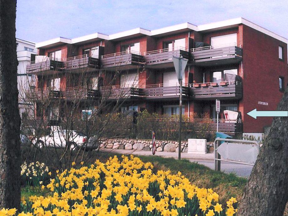 Wohnung mit großem Balkon und Strandkorb