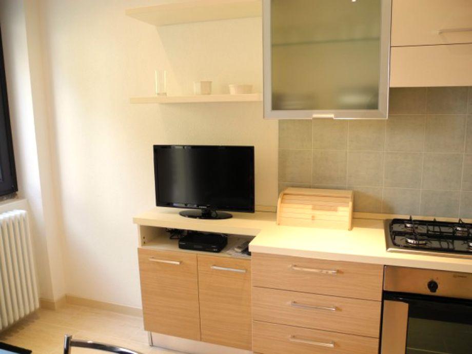 ferienwohnung casa matisse como lake frau roby como. Black Bedroom Furniture Sets. Home Design Ideas