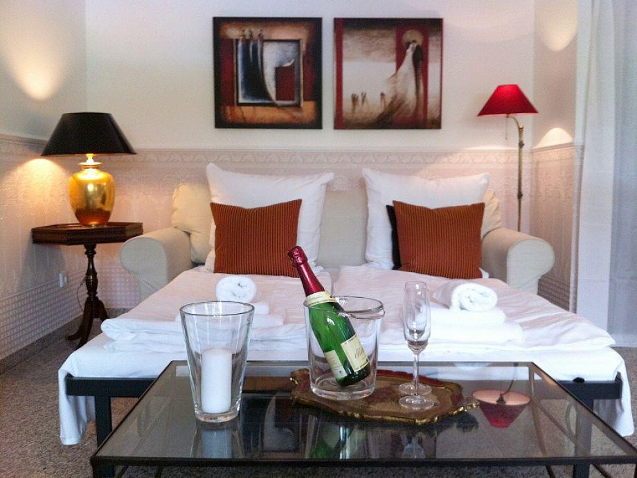 ferienwohnung gelbe orchidee villa a cappella insel r gen ostseebad binz firma sch ne. Black Bedroom Furniture Sets. Home Design Ideas