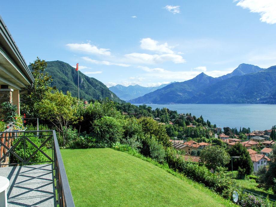 Der Garten der Ferienwohnung mit Seeblick
