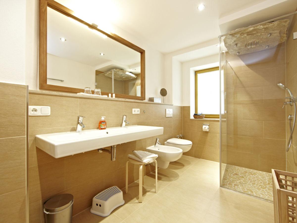 ferienwohnung waxenstein grainau garmisch partenkirchen firma ferienwohnungen zugspitze. Black Bedroom Furniture Sets. Home Design Ideas