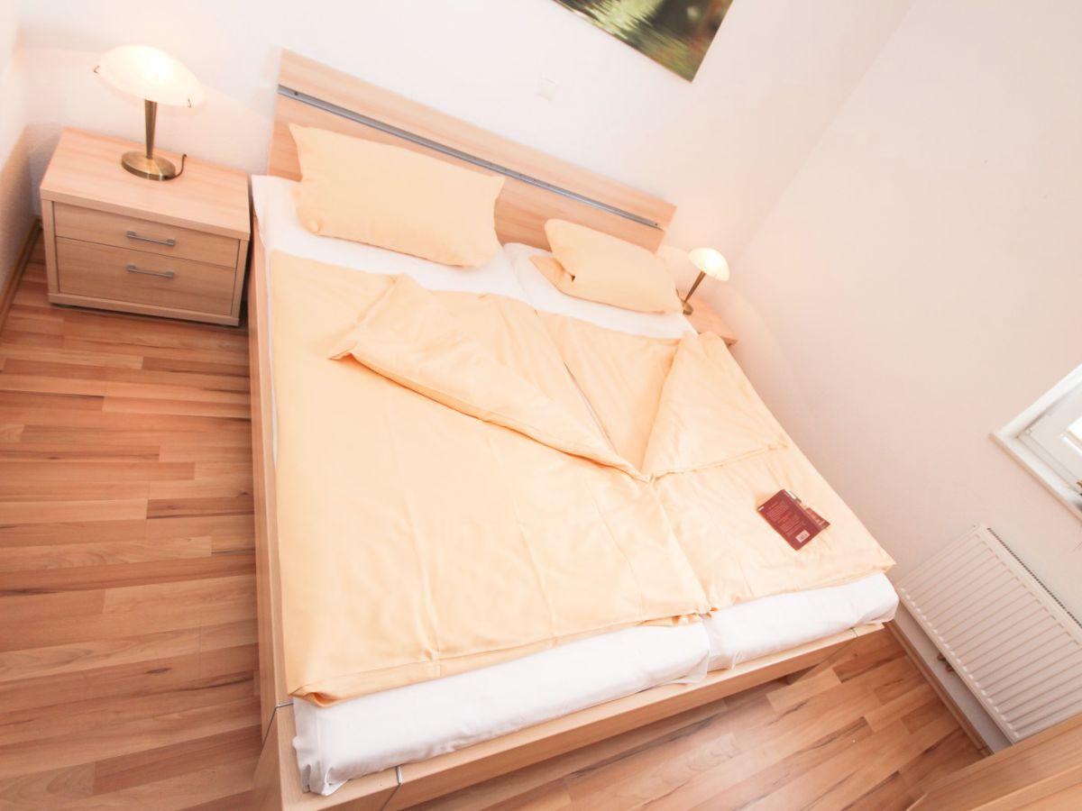 ferienwohnung helga nordseek ste norddeich frau inka haan. Black Bedroom Furniture Sets. Home Design Ideas