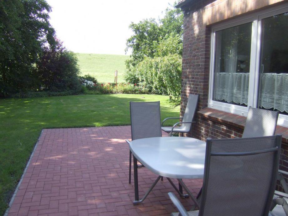 Terrasse mit Blick auf den Deich