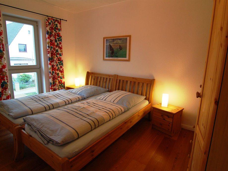 Schlafzimmer ( Betten auch trennbar )