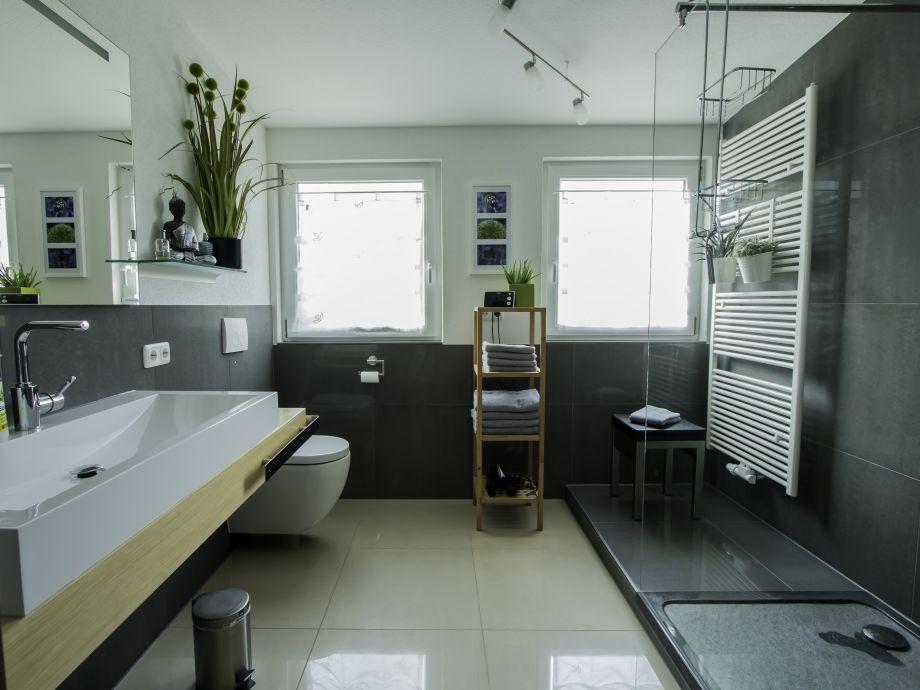7qm Badezimmer mit begehbarer Dusche