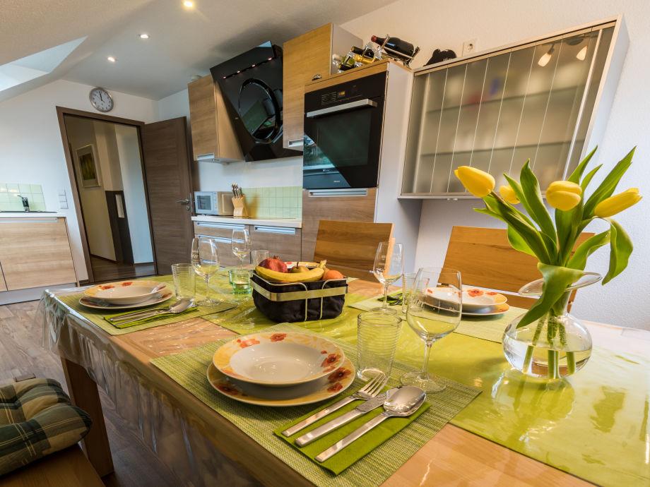 Küche komplett eingerichtet. Bilder sind von 2018