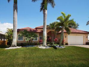 Villa Palm Island