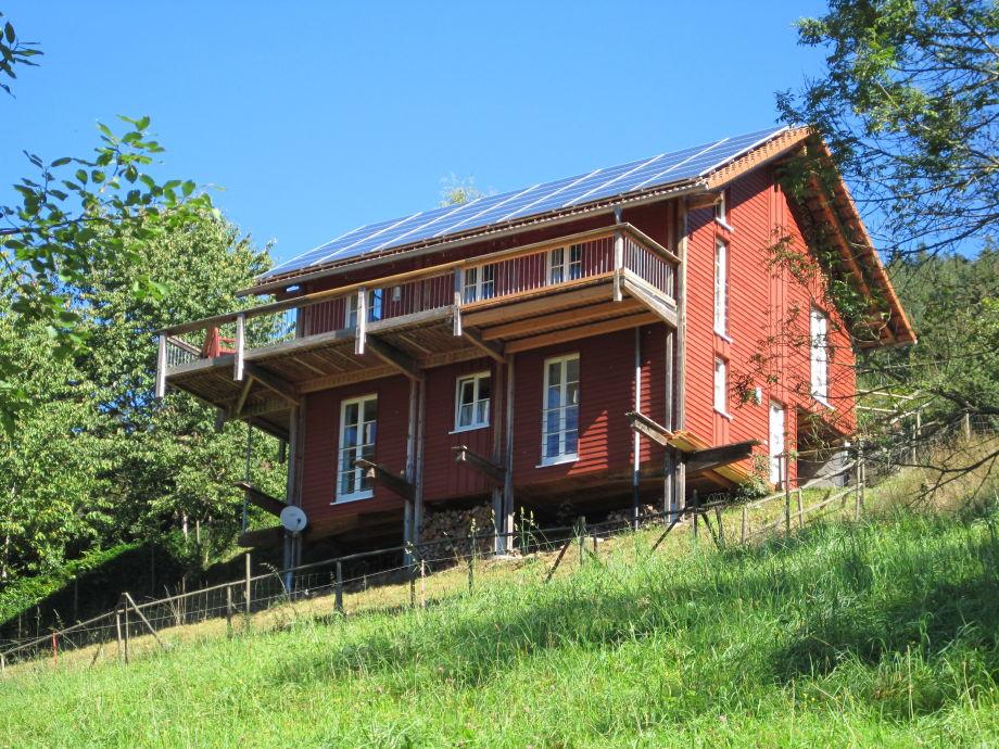 Bullerbü-Hütte im Sommer