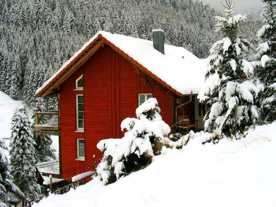 Bullerbü-Hütte im Winter