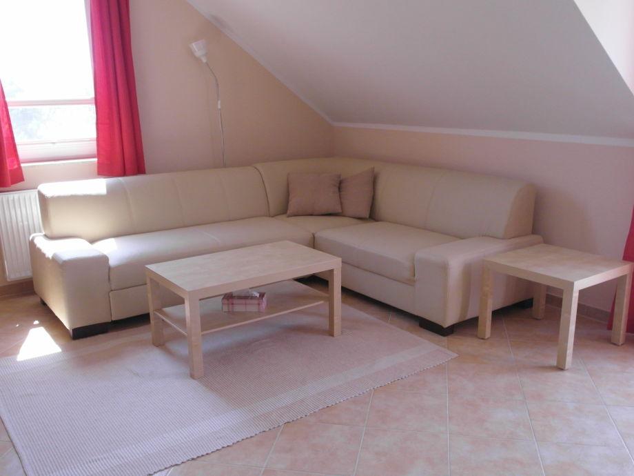 Bequemes Sofa im Wohnzimmer