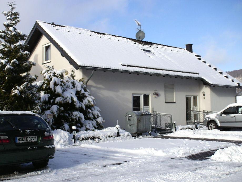 Eingang im Winter