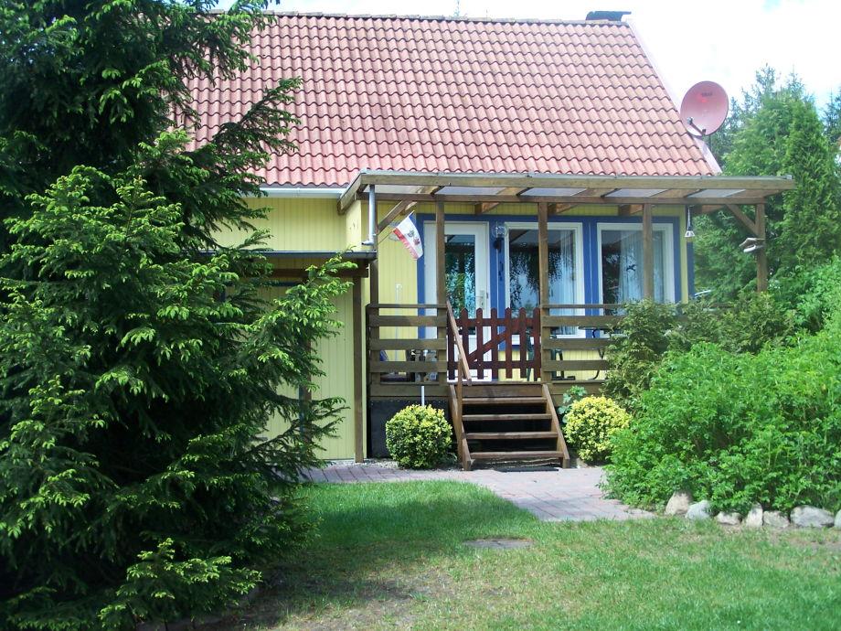 Dies ist Ihr Ferienhaus vom See aus gesehen.