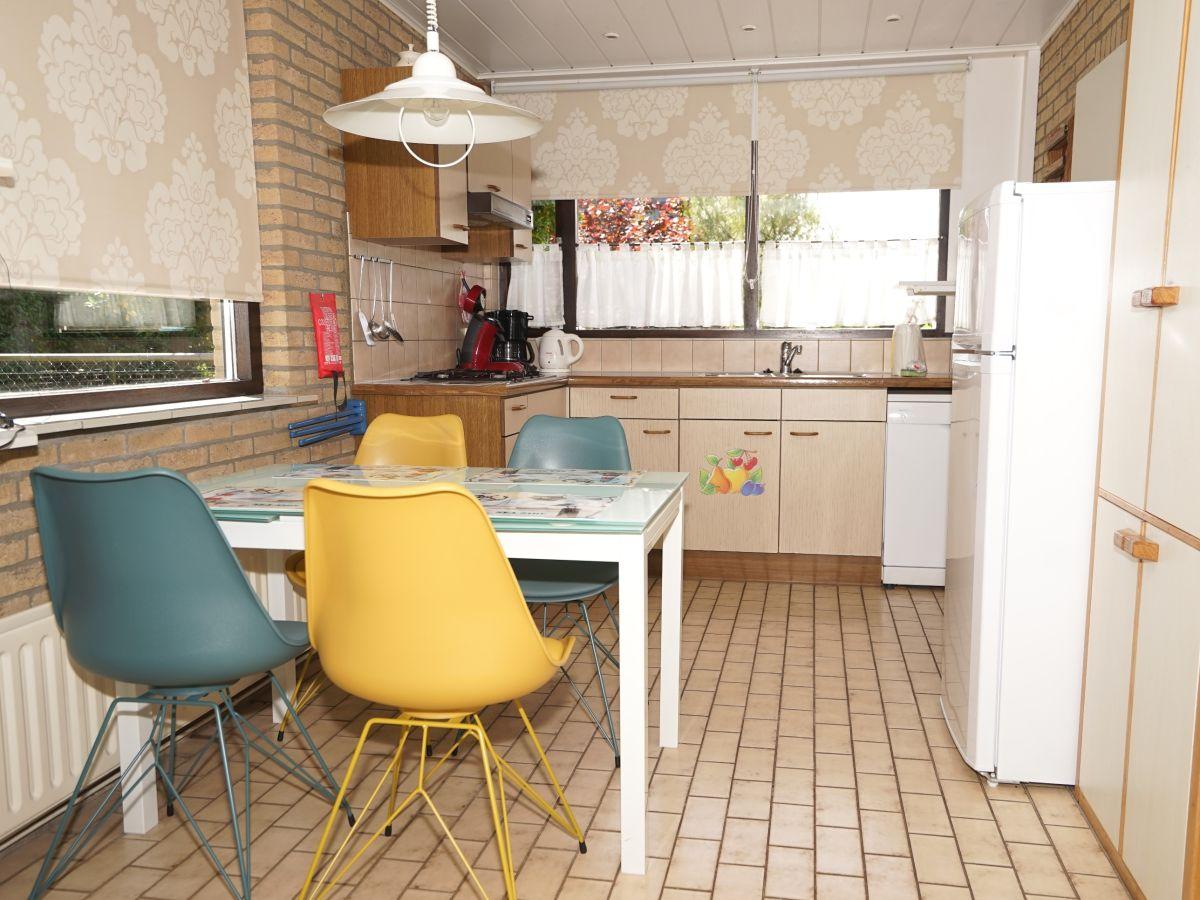 ferienhaus mosselbank 16 noordzeepark s d holland ouddorp firma ouddorp connection frau. Black Bedroom Furniture Sets. Home Design Ideas