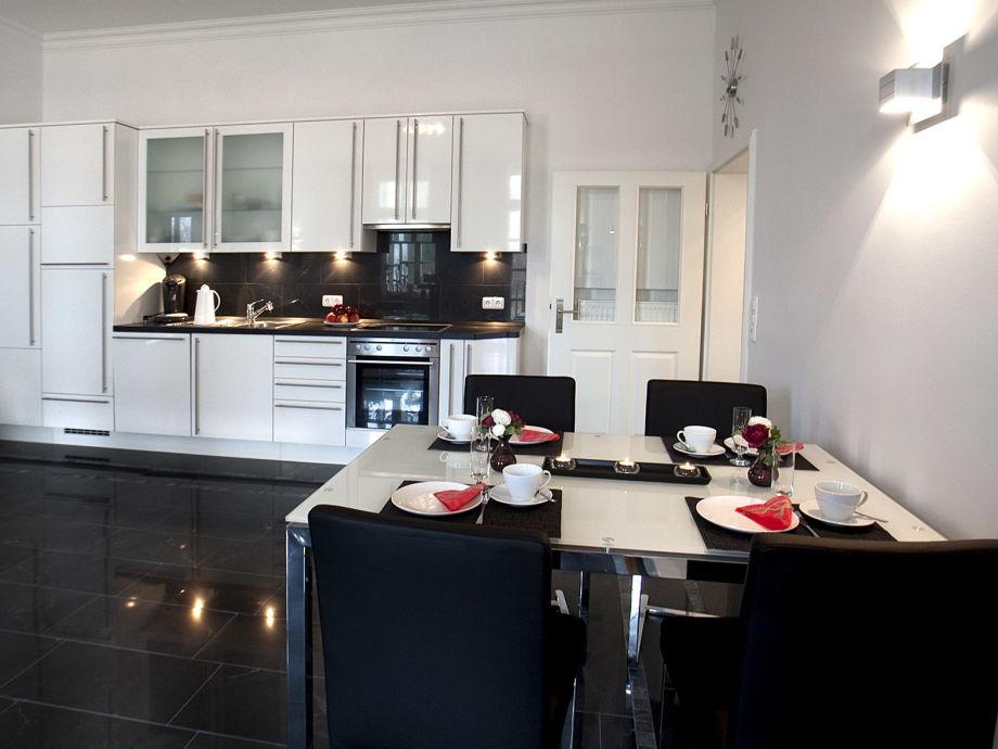 ferienwohnung grand belle etage im gutsschloss rerik ostsee rerik firma ostsee steilk ste. Black Bedroom Furniture Sets. Home Design Ideas