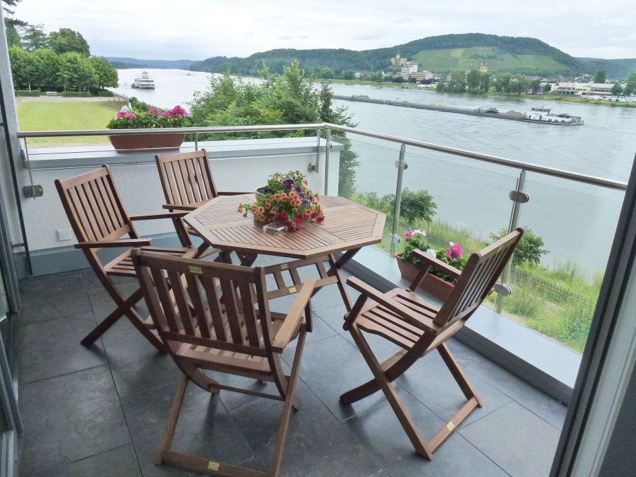 Blick vom Balkon Rheinseite