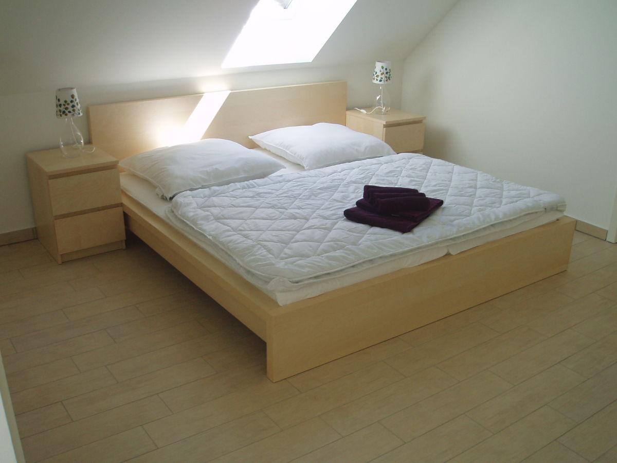 Ferienwohnung seeperle 1 mecklenburgische seenplatte for Schlafzimmer dachgeschoss