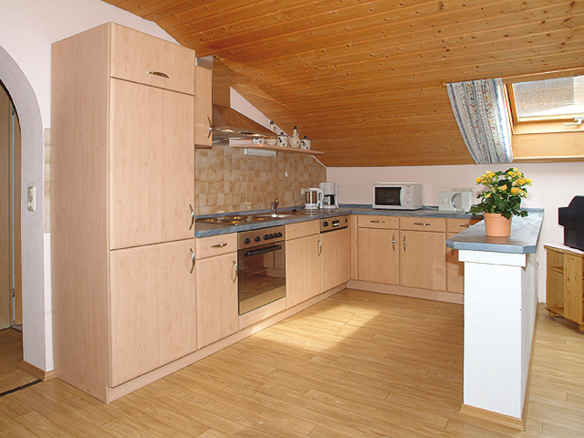 Ferienwohnung landhaus schneider bayerischer wald frau for Küchenzeile landhaus