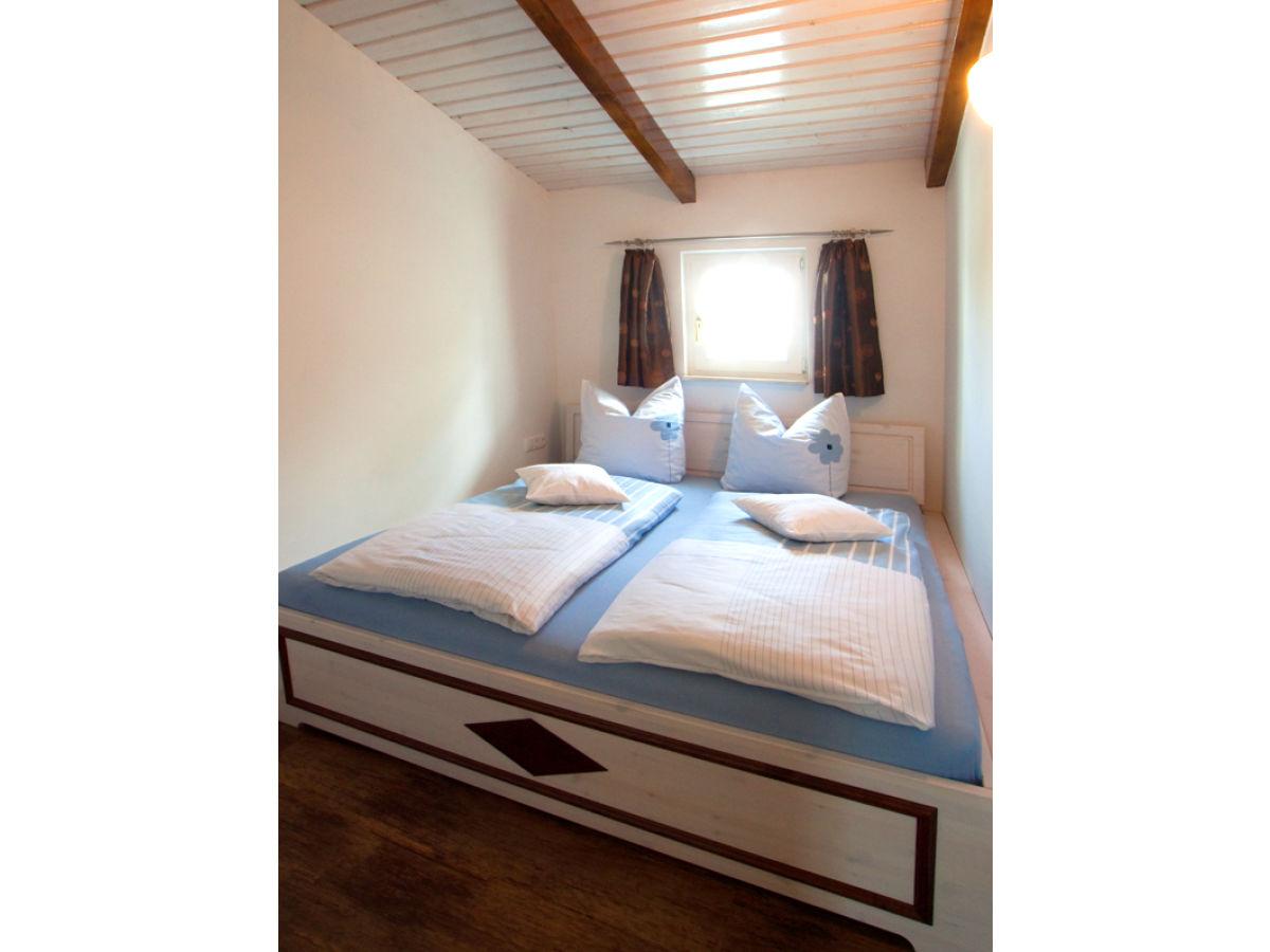 schlafzimmer gem tlich machen inspiration. Black Bedroom Furniture Sets. Home Design Ideas