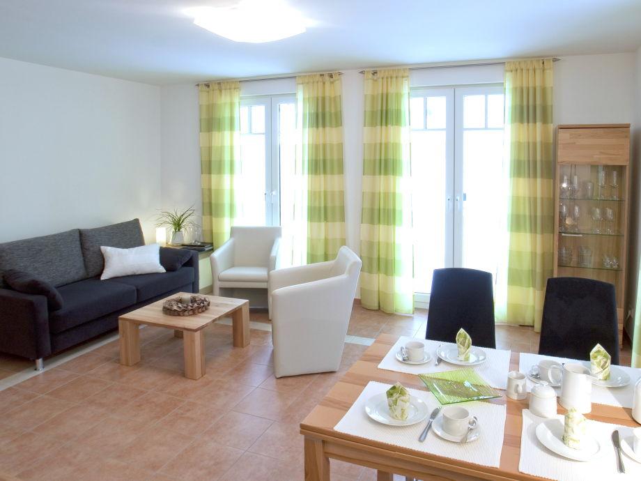 Das Wohnzimmer mit harmonischer Farbgestaltung